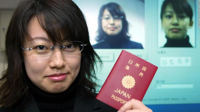 CNN.co.jp : 日本のパスポートが世界最強、シンガポール抜きトップに - (1/2)
