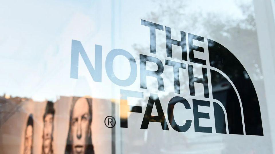 ザ・ノース・フェイスが石油業界とバトル中。それが他人事じゃない理由 | ギズモード・ジャパン