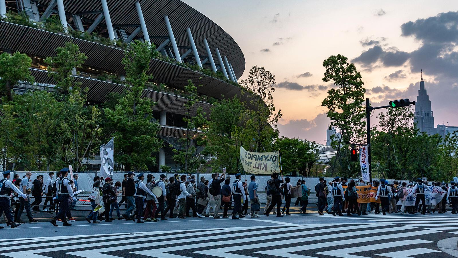 フランス紙が大々的に特集「東京オリンピックはノックアウトか?」 | クーリエ・ジャポン