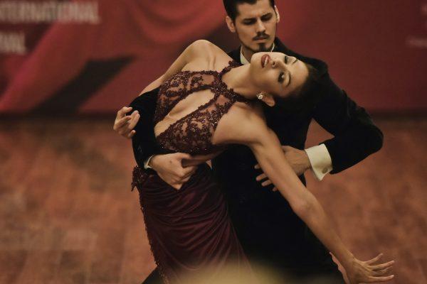 it takes two to tango 意味 どっちにも悪いところがあるでしょう 英語