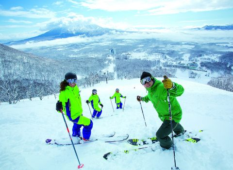 NISEKO VILLAGE SNOW SCHOOL & ACTIVITIES