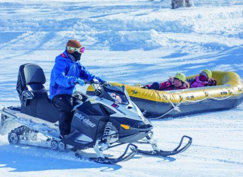 NISEKO VILLAGE SNOW SCHOOL & ACTIVITIES