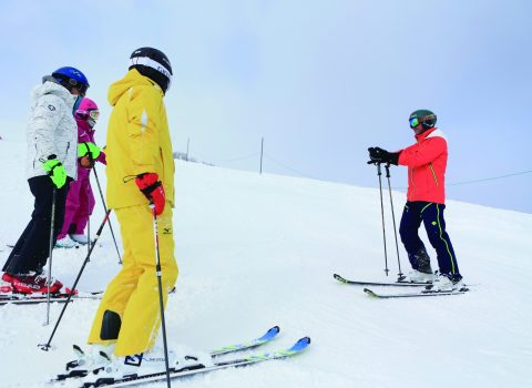 SAJ accredited Niseko Grand Hirafu Snow School