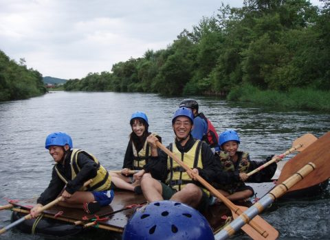 Bouken Kazoku - Do-It-Yourself Rafting
