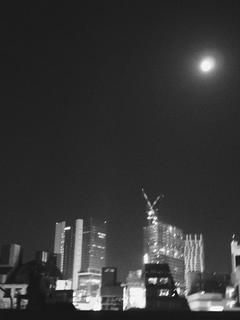 明日の月は綺麗でしょうね