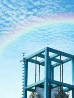 虹はいつも西の空に浮かんでいる