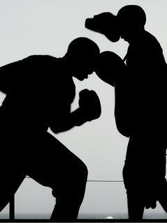 プロボクサーがタイムスリップしたら不良だらけの昭和だった