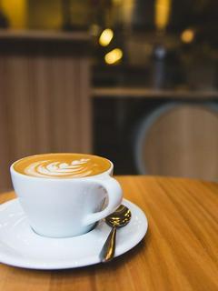 なんか、転移したから森でカフェ開く〜地味に最強なカフェ経営〜