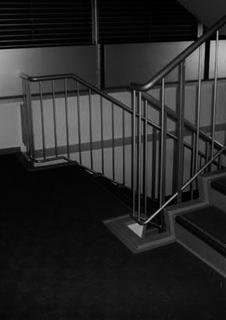 非常階段の踊り場で。