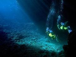 沖縄青の洞窟ビーチ体験ダイビング・おすすめ・沖縄 旅行・人気・楽しみ方