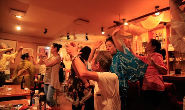 沖縄踊り カチャーシーの踊り方...