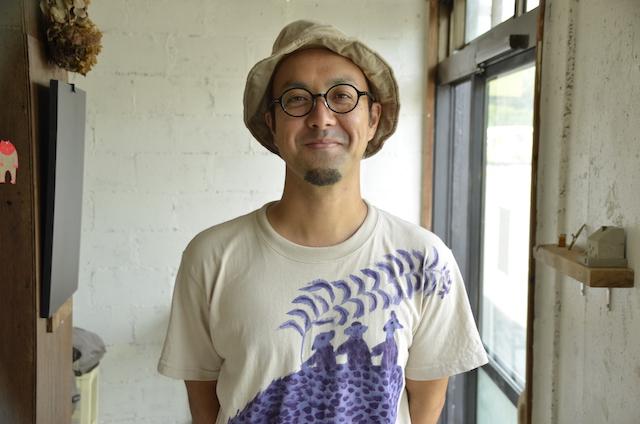 Ningin Shoten on Miyako Island  In-store coffee roasting and original doughnuts