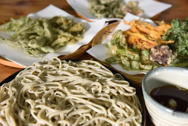 "Popular Ogimi Village noodle shop ""Touge no Mendokoro Esu no Hana"" combines Ogimi soba flour and grandma's warm service"