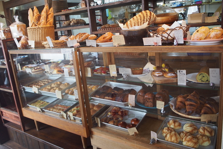 Crisp baguettes and delicious pastries at a bakery in Yaese Town Uchida-sei Pan
