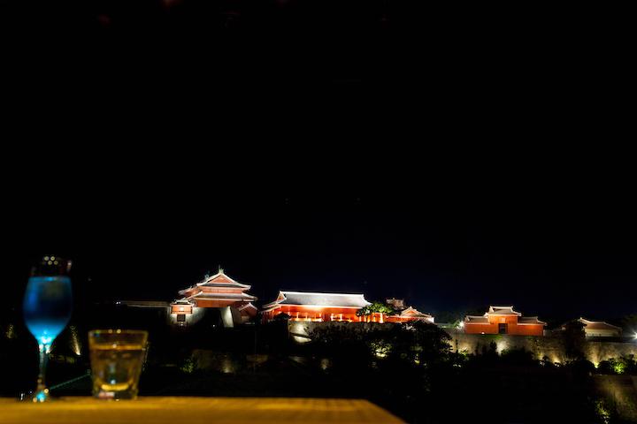 Enjoy a view of Shurijo Castle at Tundaa Bar & Dining, Shuri's hidden treasure