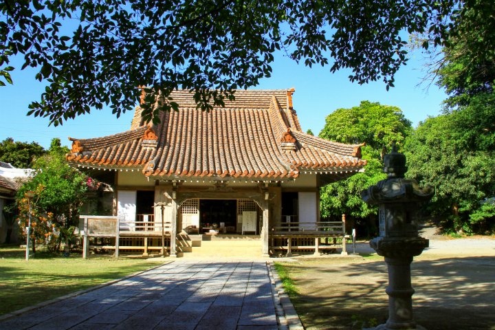 【Legends and Historical Stories of Okinawa】Kannonji Temple and Nisshu Shonin