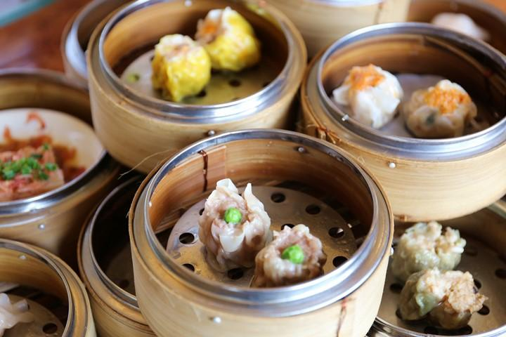 "Steamed Hot Dim Sum and Chinese Tea. Enjoy Dim Sum Lunch at ""Kinshasa"" at Hotel Nikko Alivila in Yomitan Village"