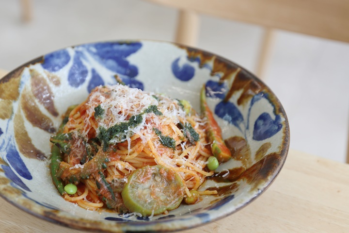 Enjoy a Pasta Lunch at Camecame Kitchen; Casual Dining with Okinawa's Local Vegetables.
