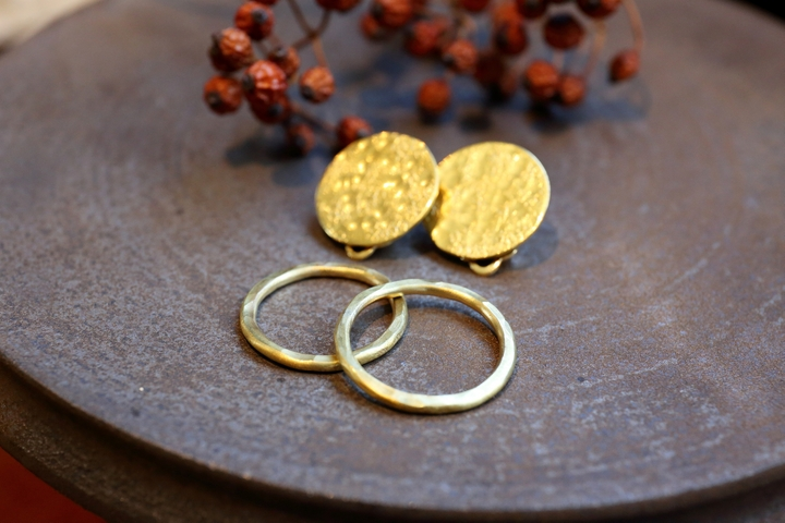 Brass Accessories by [atelier sou]; Beauty that's Refined Over Time and Use