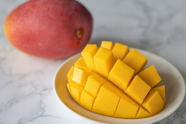 """Juicy & Rich! Outstanding """"Himegimi Mangoes"""" with over 15% in sugar content!"""