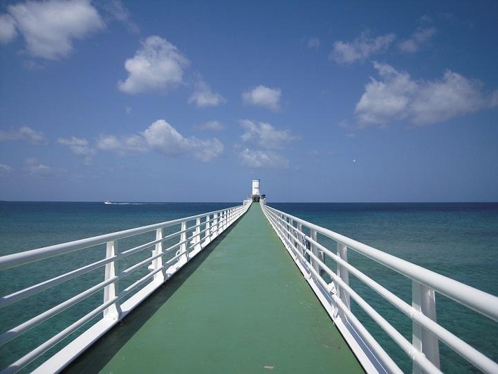 海中公園の海中展望塔