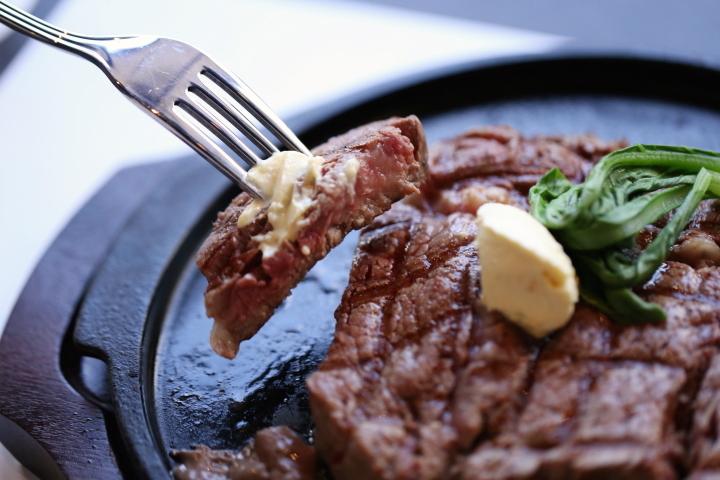 沖縄でステーキを食べるならココ!おすすめのステーキハウス5選