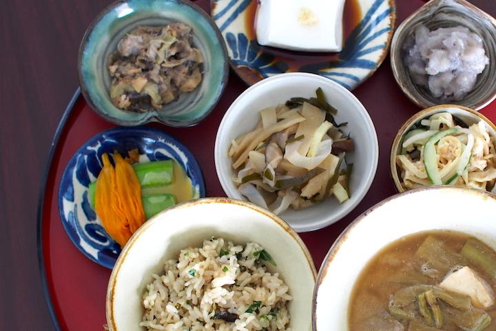 「昔ながらの沖縄料理が食べたい!」という方にお薦めしたい沖縄の伝統料理