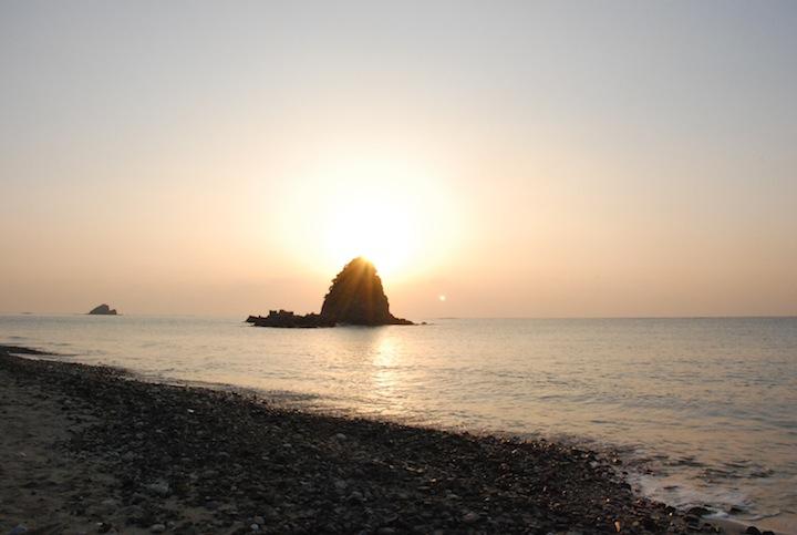 嘉陽ビーチは日の出スポット