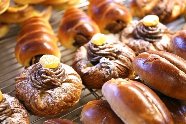 識名園から徒歩5分。地元で愛されるパン屋さん「いまいパン」