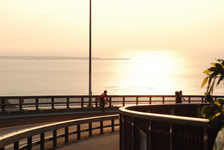 ニライカナイ橋のサンセットが圧巻のECOスピリットライド&ウォークin南城市
