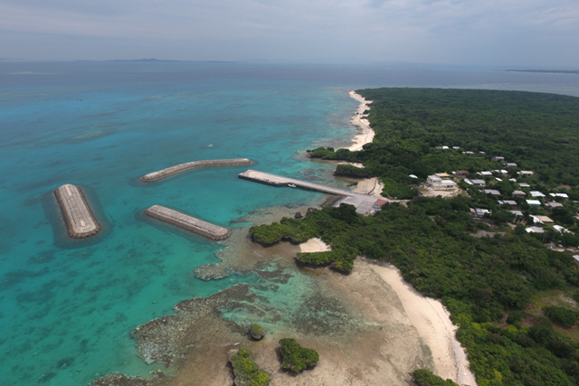 【リトハク×沖縄CLIPコラボ】なかなか上陸できないパナリ島を地元ガイドと散策&八重山諸島屈指の透明度を誇る海をシュノーケル