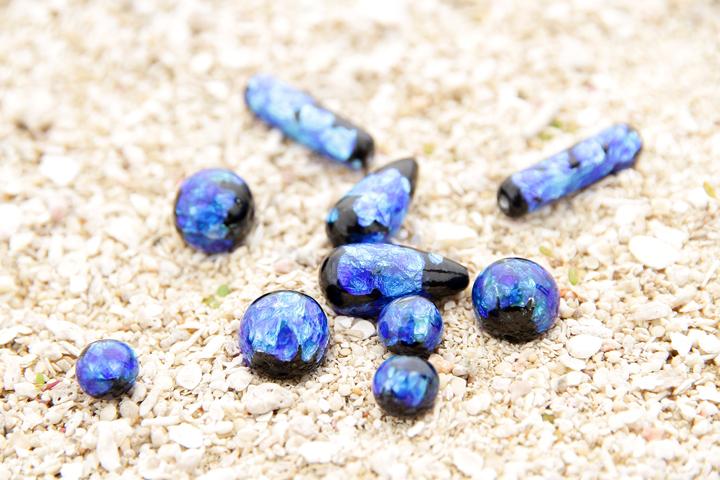 沖縄の海をイメージさせるホタルガラス