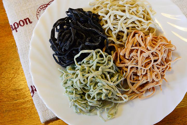 沖縄食材を麺に練り込んだ「オキナワンパスタ」