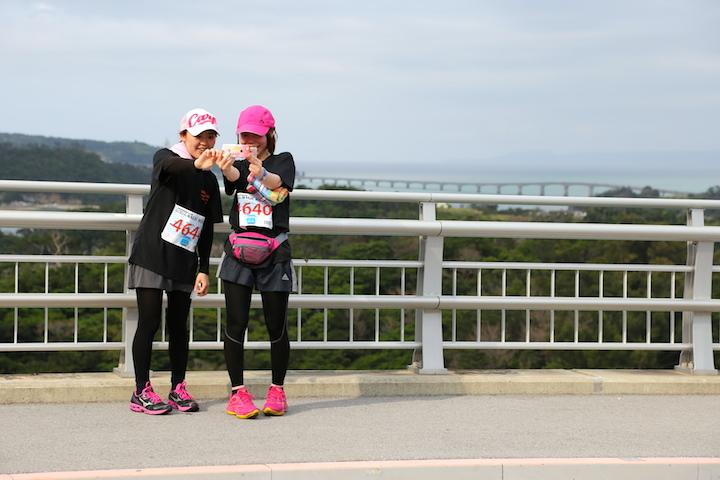 県外からも大人気!沖縄の自然を満喫出来るマラソン&トライアスロン大会4選