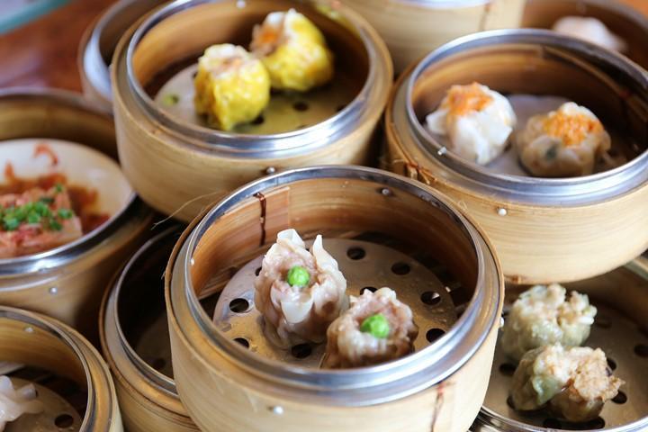 蒸したて熱々の点心を中国茶と共に。読谷村・ホテル日航アリビラ『金紗沙』の飲茶ランチ