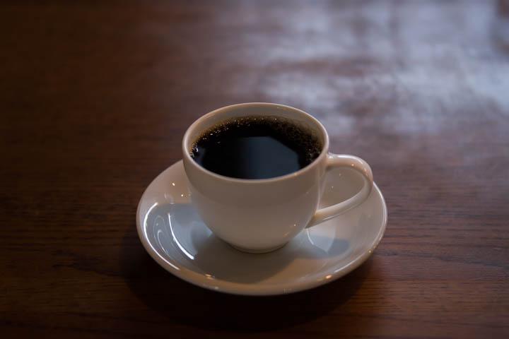 情熱を絶やさない焙煎士が淹れる1杯の珈琲「Tettoh Coffee」(うるま市)