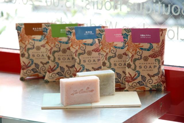 毎日着る服をさがすように好みの石鹸がみつかるブティック「ラ クッチーナ ソープ・ブティック」|沖縄CLIP