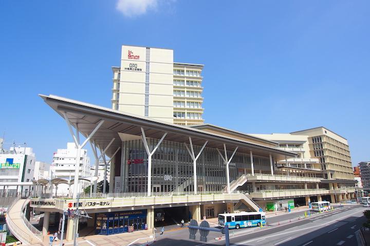 旅の知的好奇心を満たすなら新しい『沖縄県立図書館』へ【PR】