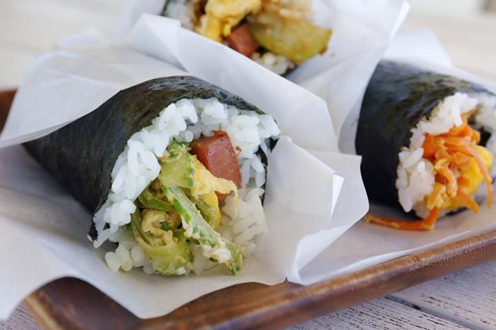 沖縄料理を片手でカジュアルに。瀬長島ウミカジテラス「Kame's KITCHEN」