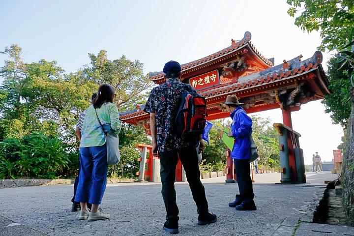 ガイドと歩く「那覇まちま〜い」で、首里城周辺を巡る旅(那覇)