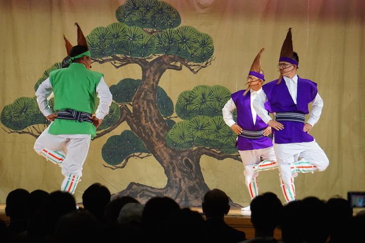 同じ踊りが見られるのは8年に1度だけ!? 戦前から受け継がれる伊江村の村踊