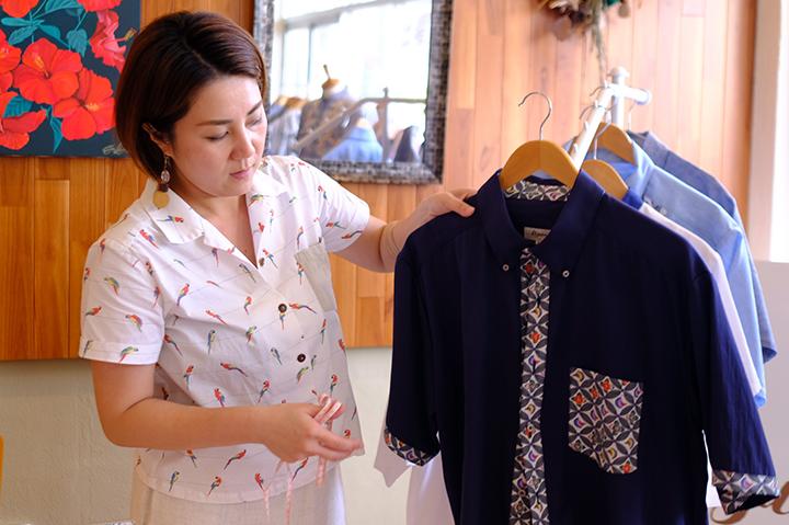琉球紅型(びんがた)を日常で着る。セミオーダーかりゆしウェアブランド「Kizuna」の服づくり(宜野湾)