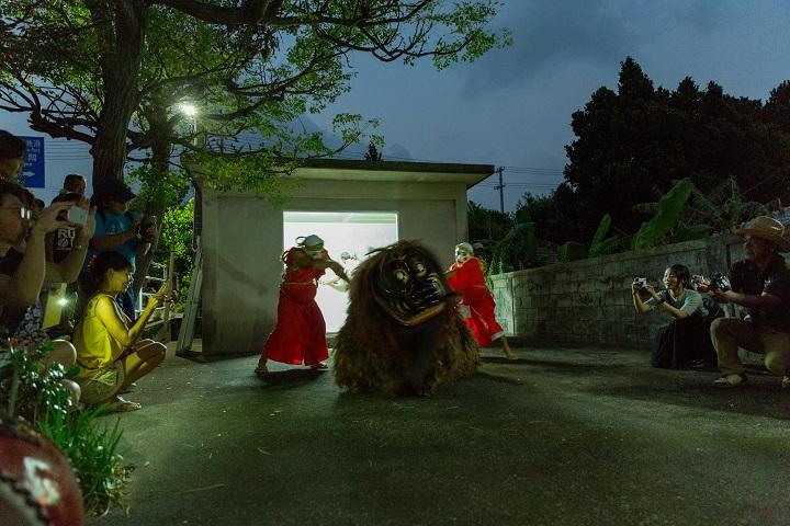 「拝所まわり」兼城のヌンドゥンチでの奉納舞