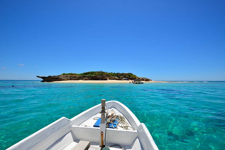 本島から船で15分のコマカ島
