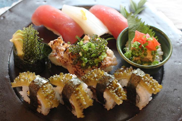 沖縄の海の幸も山の幸も一度に「沖縄寿司万博」