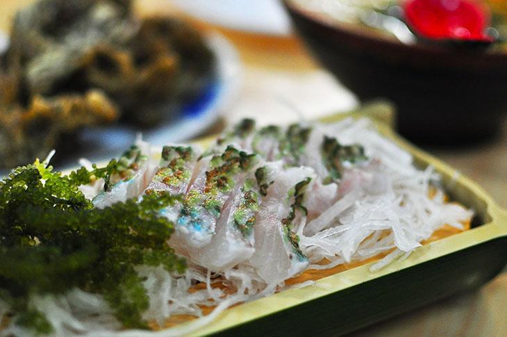 沖縄の魚はあっさりとたんぱくなのが特徴
