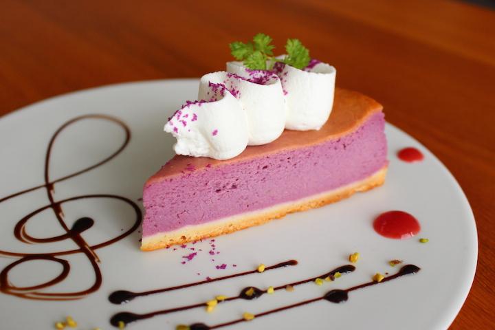 蒼カフェの紅芋チーズケーキ