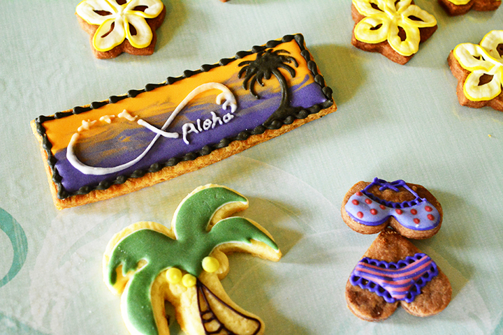 色鮮やかで可愛らしいアイシングクッキー