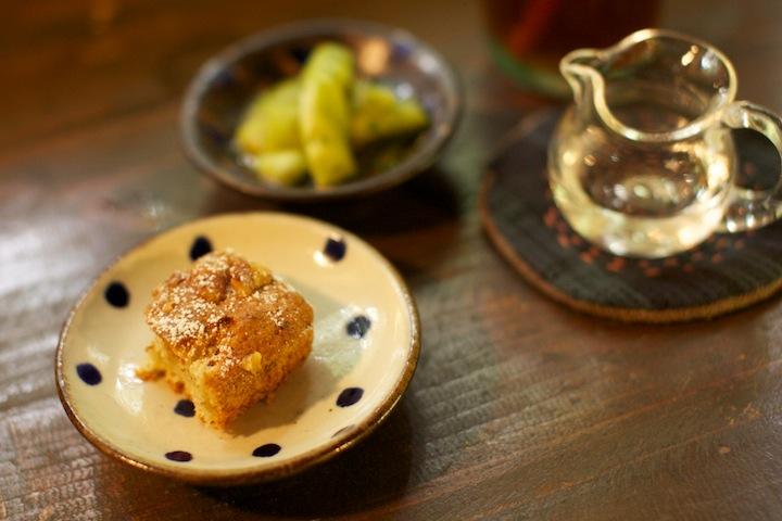 古民家カフェ「ハコニワ」のバナナケーキ