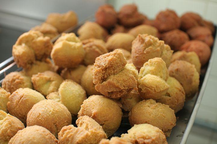 沖縄の定番お菓子「サーターアンダギー」が美味しいお店
